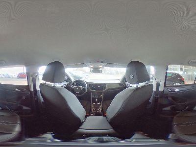 Volkswagen T-Roc Style 1.5 TSI - 110 kW 16V ACT LANEASSIST, FRONTASSIST, TEMPOMAT, ACC, ANHÄNGERKUPPLUNG, NAVI, BLUETOOTH, CLIMATRONIC, BREMSASSISTENT