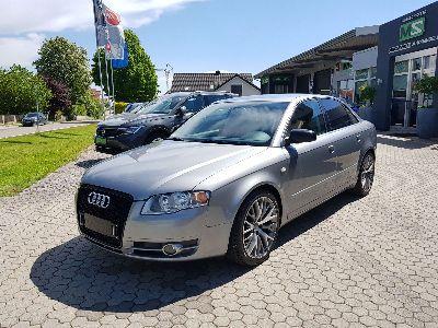 Audi A4 Limousine 1.8 T quattro - 120 kW 20V Turbo Quattro-Klimaautomatik-Tempomat-Alufelgen-Nebelscheinwerfer-Sitzheizung
