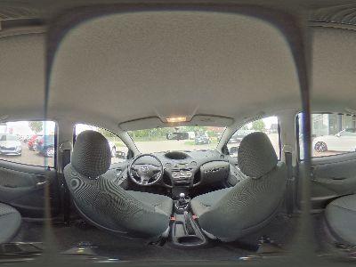 Toyota Yaris 1.3 Sol VVT-i - 64 kW 5-türig -KLIMAANLAGE-SERVO-METALLIC-ABS-ISOFIX-CD-ZENTRALVERRIEGELUNG