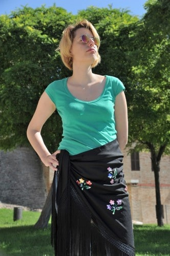 Modella Thea con scialle