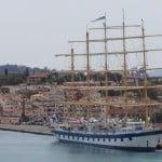 Veliero Star Clipper in un porto del mare Adriatico