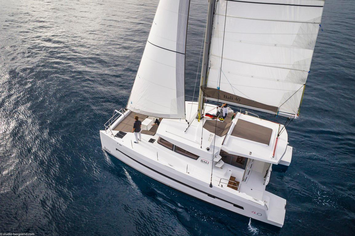Catamaran-Bali-40-sailing