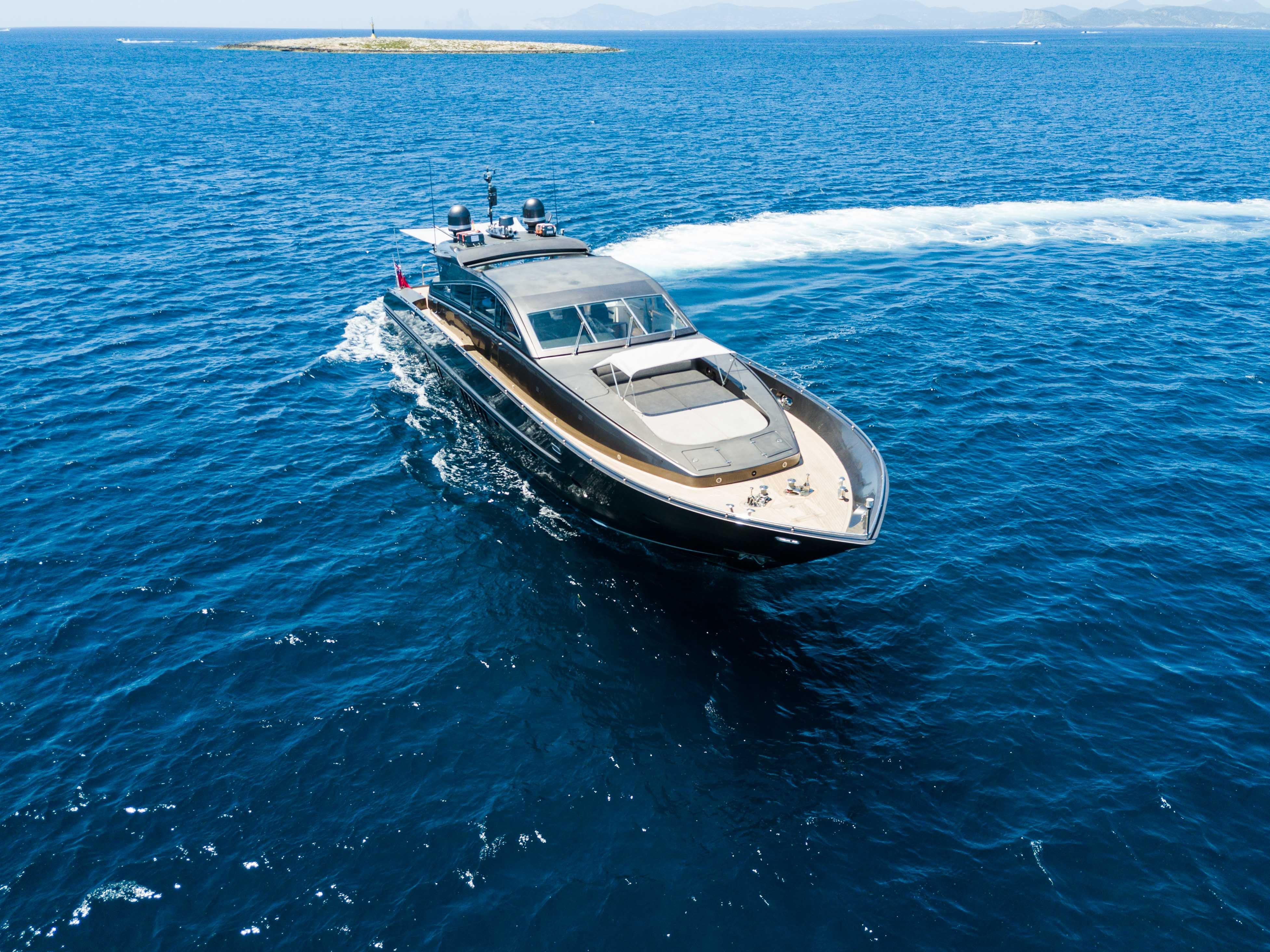 Leopard-90-Hire-Yacht-Ibiza