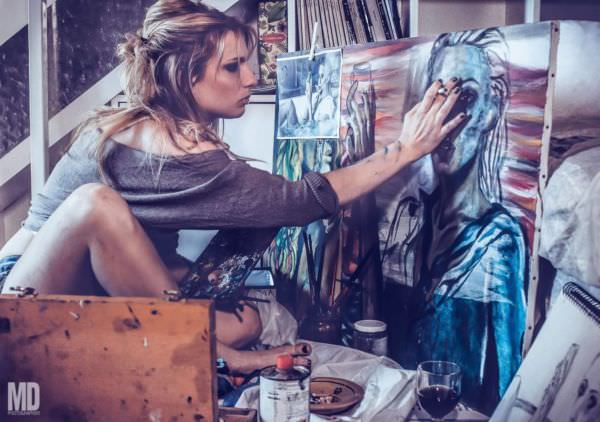 Samantha Gandin, la ragazza che usciva con i suoi quadri