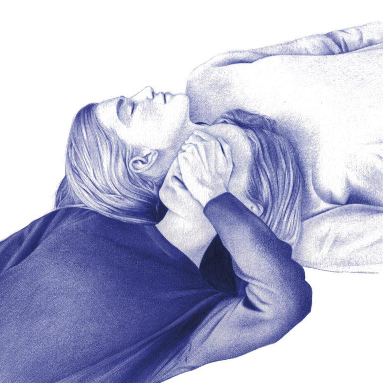 Ilustración realista a bolígrafo Bic azul de dos gemelas acostadas