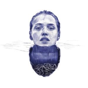 Detalle de una ilustración realista a bolígrafo Bic azul de una chica sumergida en el agua