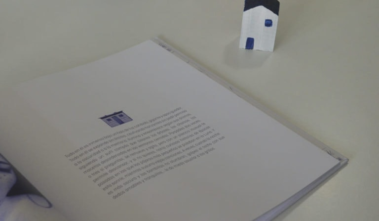 Detalle de un texto en un libro