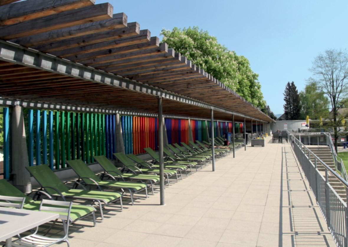 Schwimmbad: Terrassenschwimmbad Baden an der Limmat