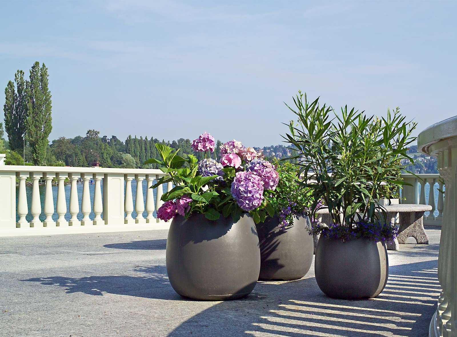ambiente f r garten terrasse oder balkon bestswiss. Black Bedroom Furniture Sets. Home Design Ideas