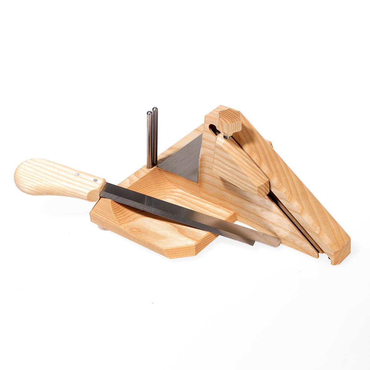 Wurst- und Kaesehobel mit Victorinox Messer