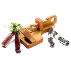 geschenkset mit fleischhobel, salsiz und trockenfleisch von der wursteria graubünden