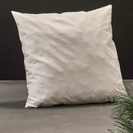 sofa zierkissen mit arvenspäne und hirseschalen von drechselwerk