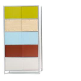 Regal mit Farbstufen von MF-System, farbig