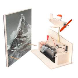 Solarspielzeug Pilot Bertrand und Matterhorn-Solarpannel von Solartoys