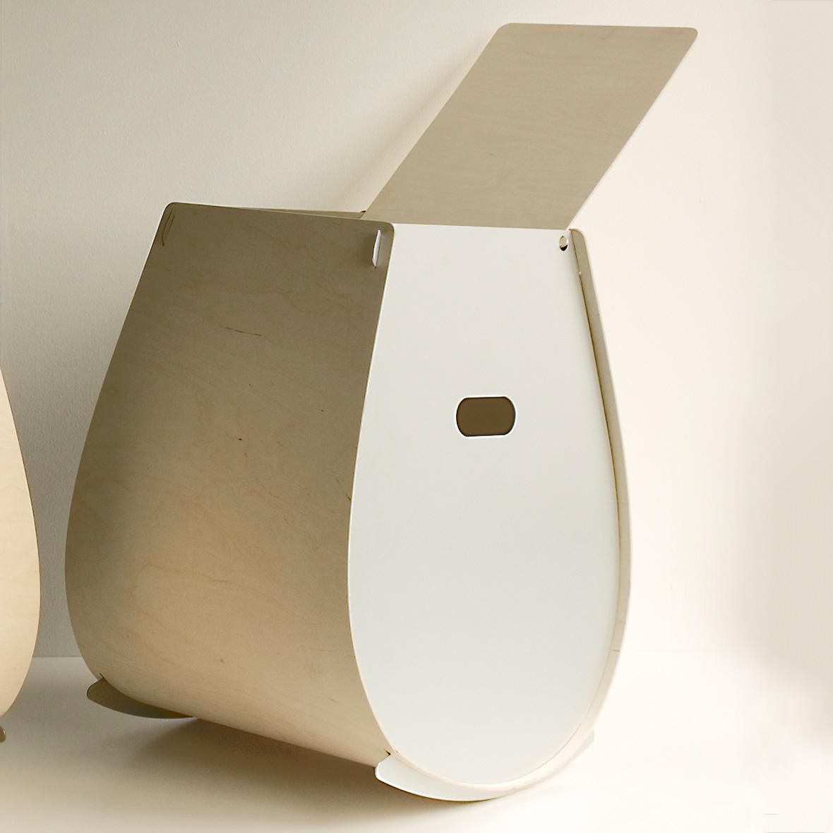 Wäschekorb Ovetto aus Holz und Aluminium von Lehni