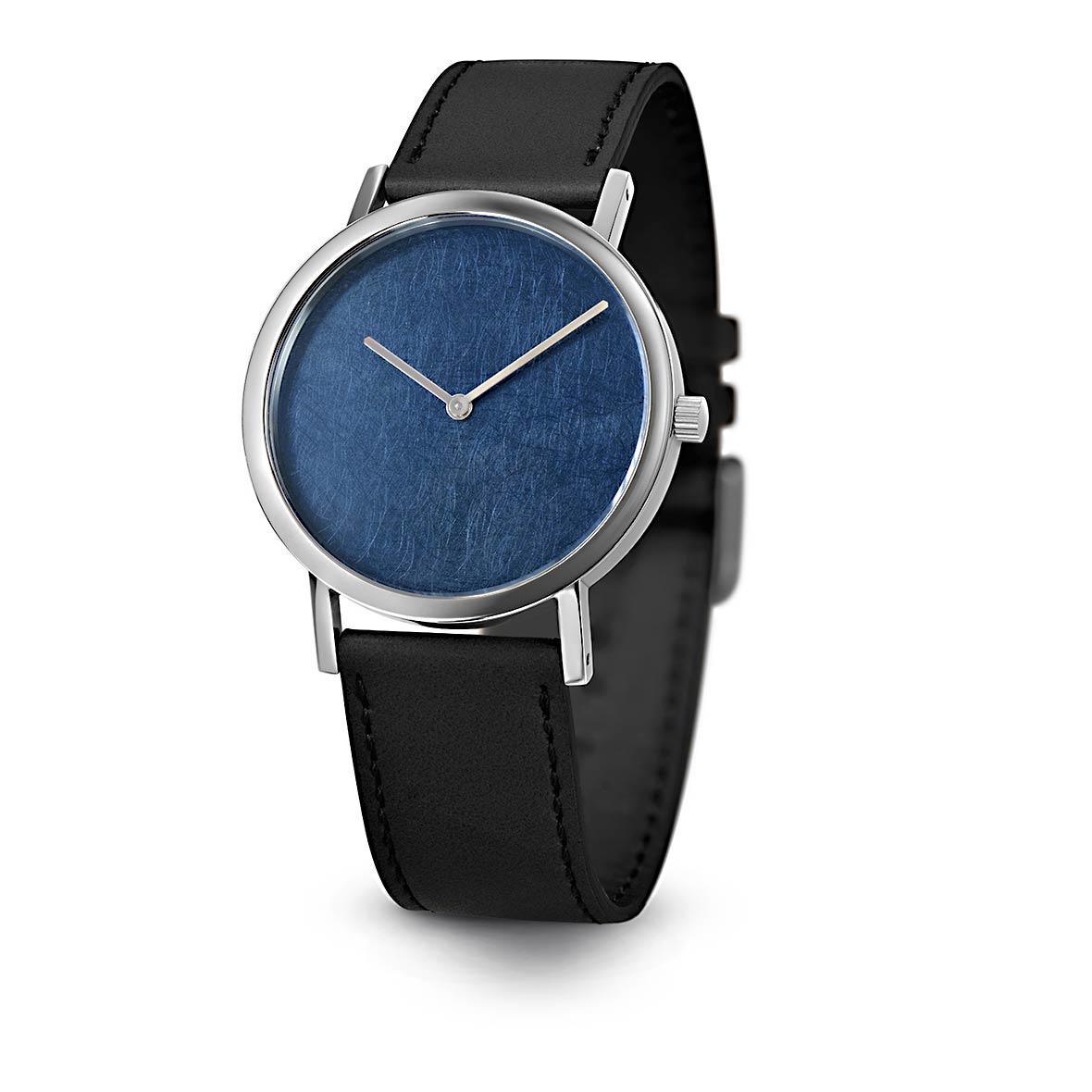 Armbanduhr Blue Leaf - Quarzuhrwerk aus Edelstahl - Zifferblatt Titan-Chrom - by Atelier Pierre Junod
