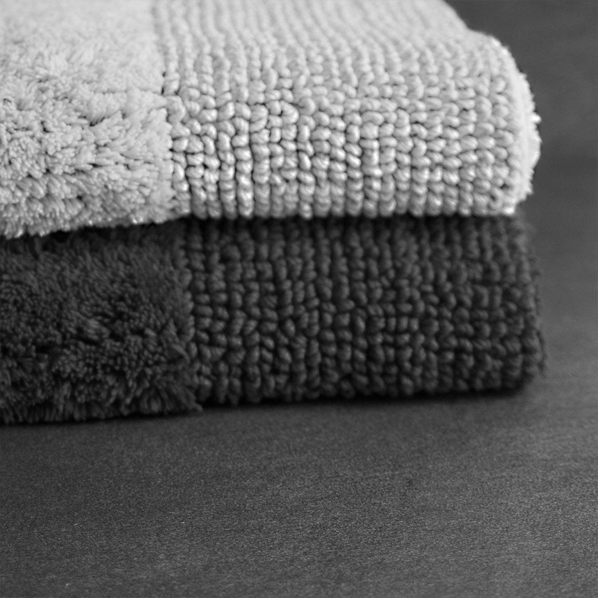 Badteppich Dreamtuft - Baumwolle- Oeko-Tex - weiss - schwarz