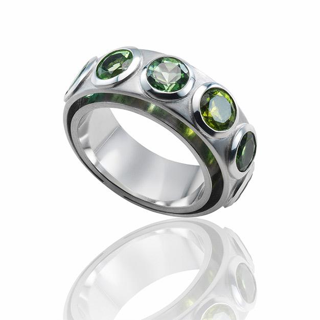 Ring mit Turmalin in Weissgold