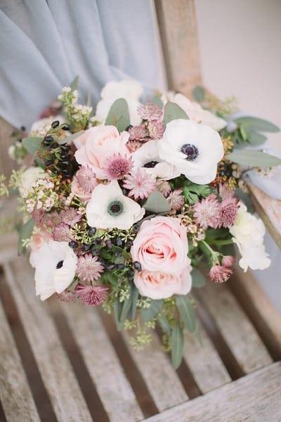 Bouquet Sposa Ottobre.Matrimonio A Ottobre Sposarsi Con Bianco Bouquet