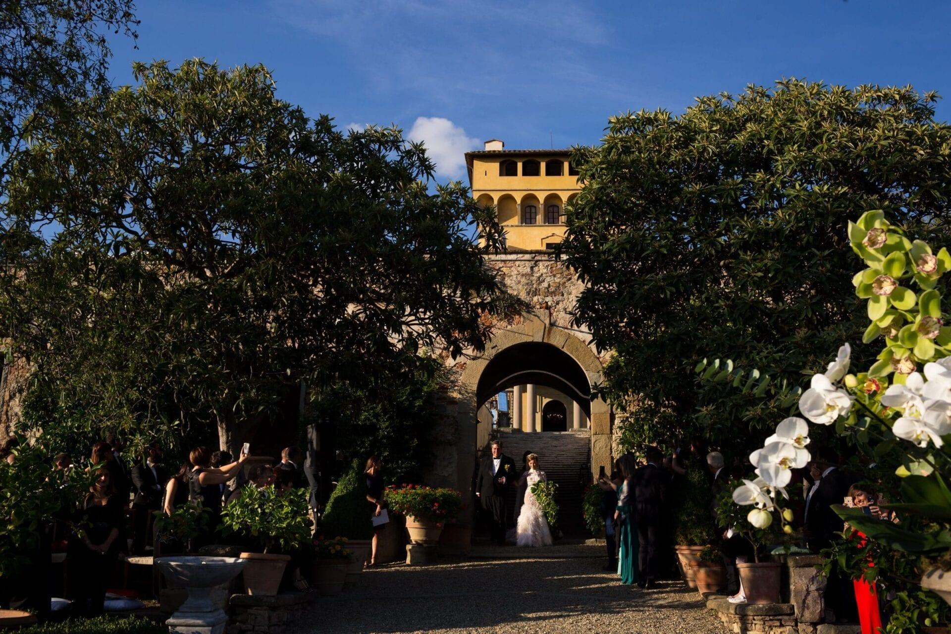 Matrimonio Tra Gli Ulivi Toscana : Matrimonio a villa di maiano bianco bouquet wedding planner