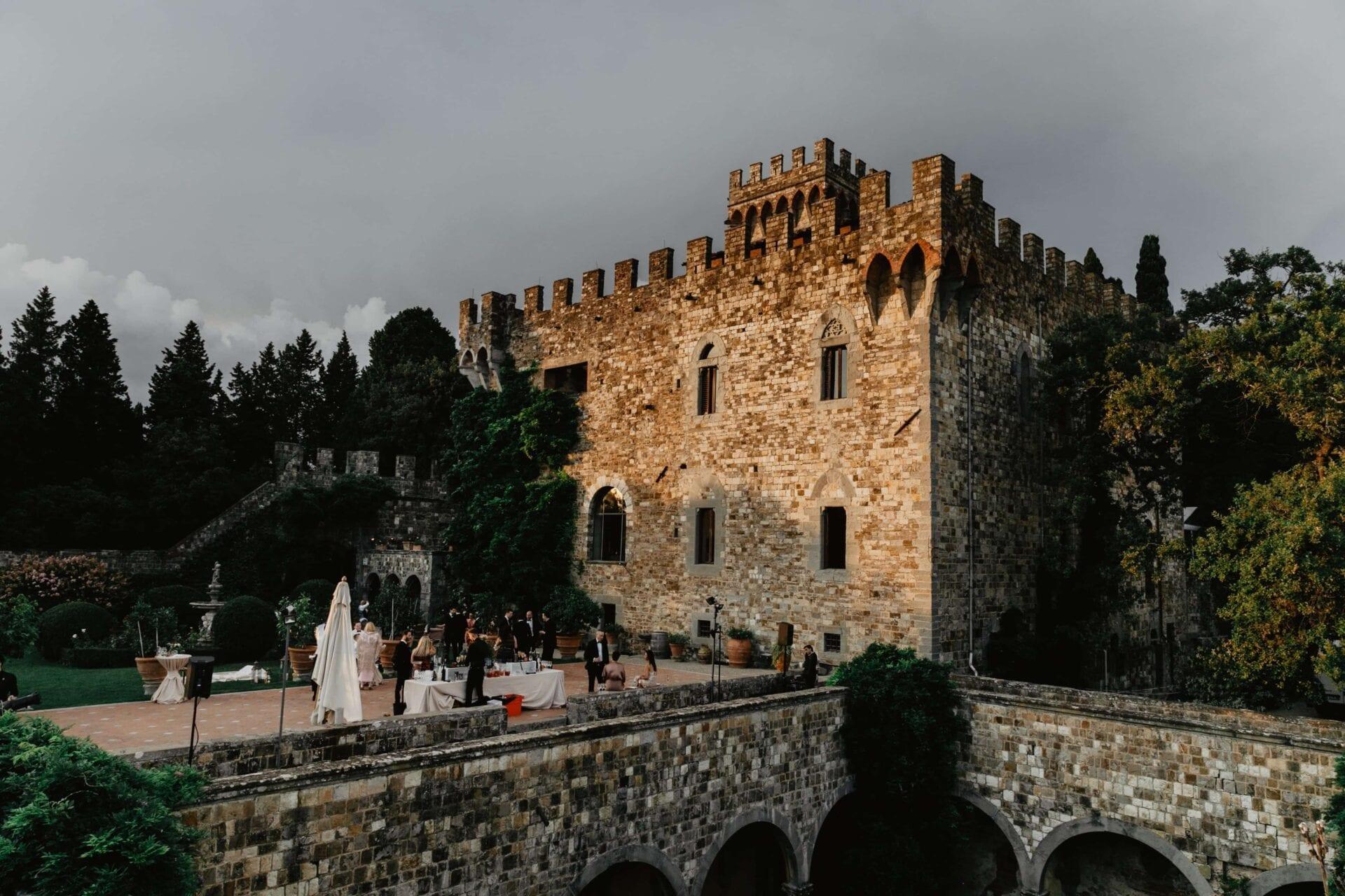 Matrimonio D Inverno Location Toscana : Matrimonio al castello di vincigliata bianco bouquet wedding planner