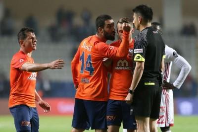 Arda Turan'ın Cezası En Az 15 Maç Olmalı