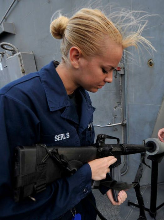girls in army 01 - בנות בצבא - מסביב לעולם (30 תמונות)