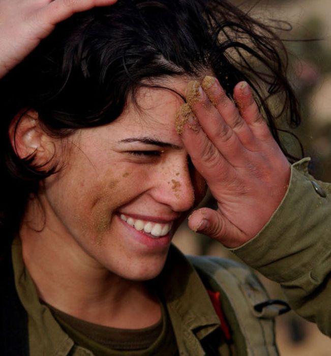 girls in army 05 - בנות בצבא - מסביב לעולם (30 תמונות)
