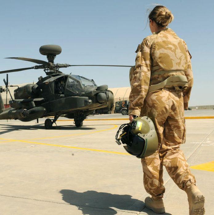 girls in army 06 - בנות בצבא - מסביב לעולם (30 תמונות)