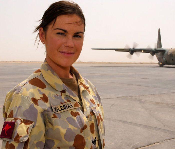 girls in army 12 - בנות בצבא - מסביב לעולם (30 תמונות)