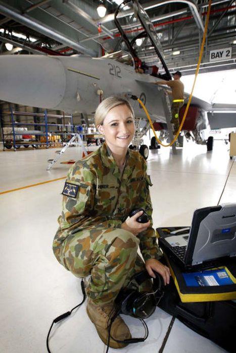 girls in army 18 - בנות בצבא - מסביב לעולם (30 תמונות)