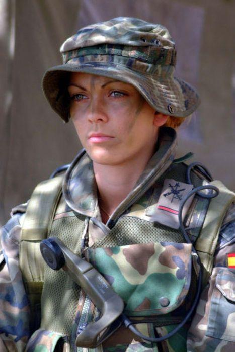 girls in army 28 - בנות בצבא - מסביב לעולם (30 תמונות)