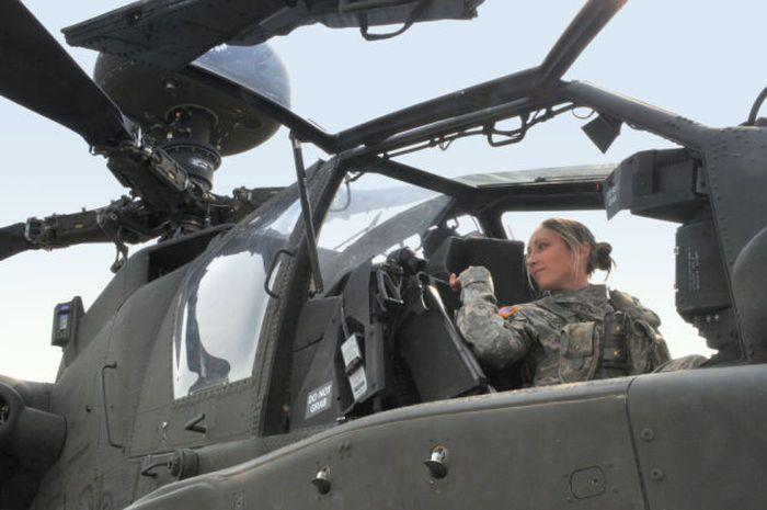 girls in army 30 - בנות בצבא - מסביב לעולם (30 תמונות)