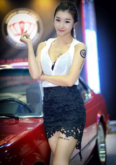 5f3da3e3da122b3395f06fb83dd63d89 - דוגמניות תצוגה מתערוכת רכב Auto Salon בסיאול (43 תמונות)