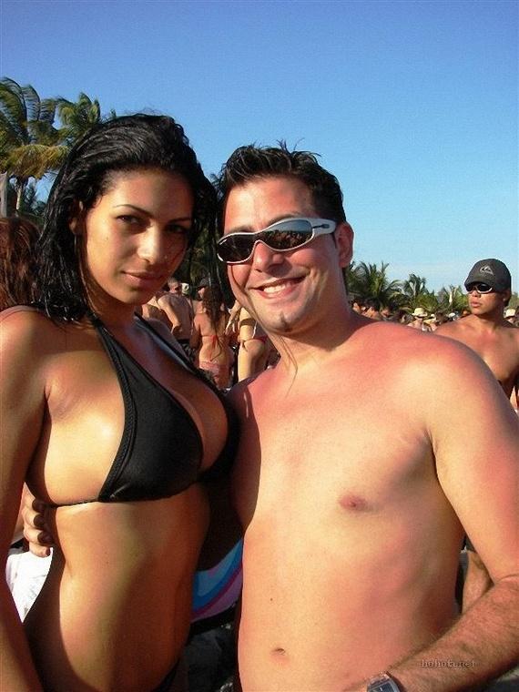 31b26f8c6295921a2672c3ef5f8795e1 - בנות בחוף הים (35 תמונות)