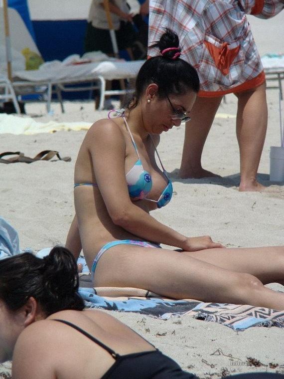 36fbc91e4fec555f5be34f6b556e5b17 - בנות בחוף הים (35 תמונות)