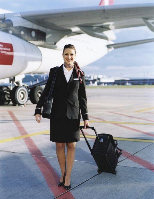 500be830335dd88e79597c32ee73f4d3 - דיילות סקסיות מחברות תעופה מכל רחבי העולם (45 תמונות)