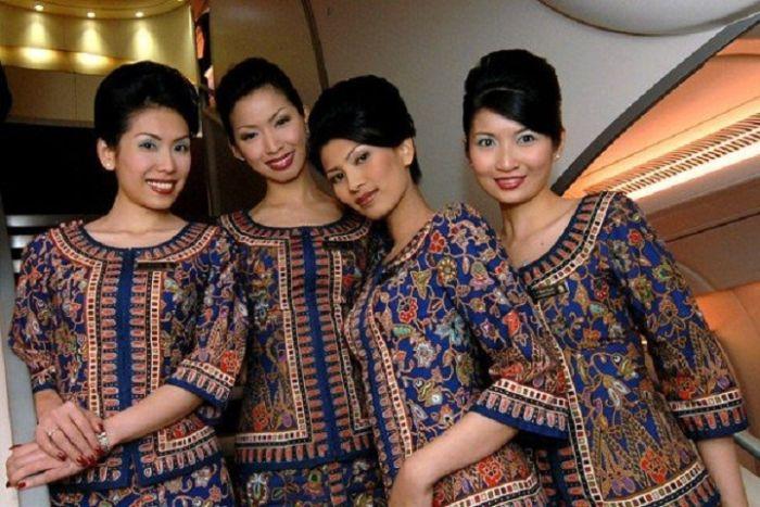 ed7c9b3cc97c27b41e6b0598da0eda06 - דיילות סקסיות מחברות תעופה מכל רחבי העולם (45 תמונות)