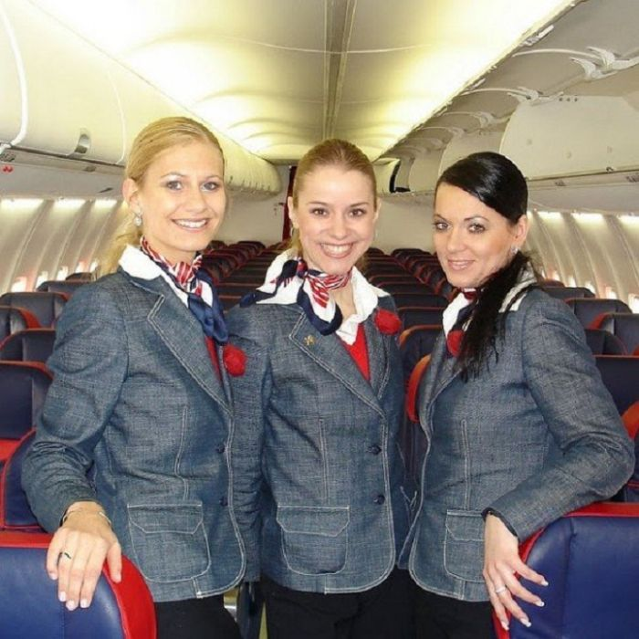 1fd6678d34dcbc79cc609a79a5c04f38 - דיילות סקסיות מחברות תעופה מכל רחבי העולם (45 תמונות)