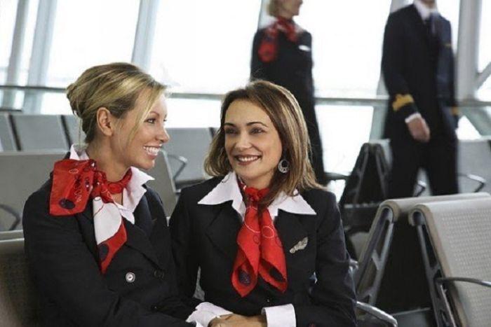 50405af317d78cb6f01a819dd4f75df8 - דיילות סקסיות מחברות תעופה מכל רחבי העולם (45 תמונות)