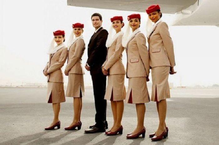 306408f184bcaddb6a5f827cfc9f8c03 - דיילות סקסיות מחברות תעופה מכל רחבי העולם (45 תמונות)