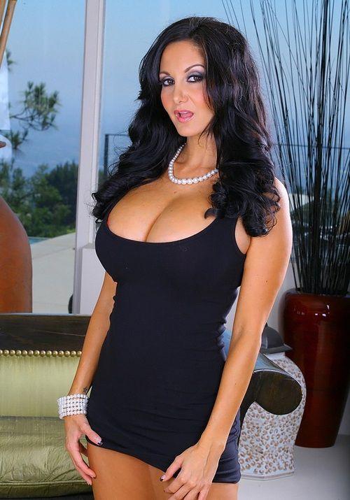 e67e686455b1a993ec8b44c2f766db44 - סקסיות לוהטות בשמלה צמודה (27 תמונות)
