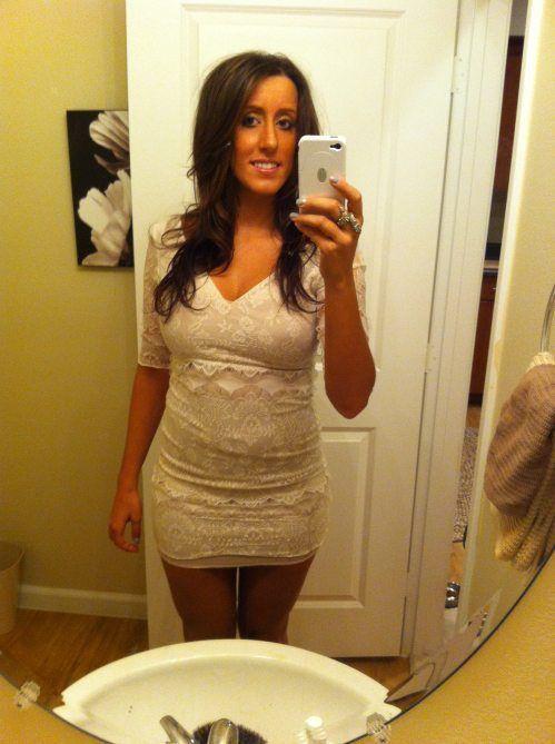 19b0e2133061c4fe498fe5c319b93132 - סקסיות לוהטות בשמלה צמודה (27 תמונות)