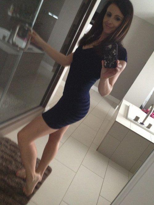 4ead554537cd04e594abc09ac03dc611 - סקסיות לוהטות בשמלה צמודה (27 תמונות)