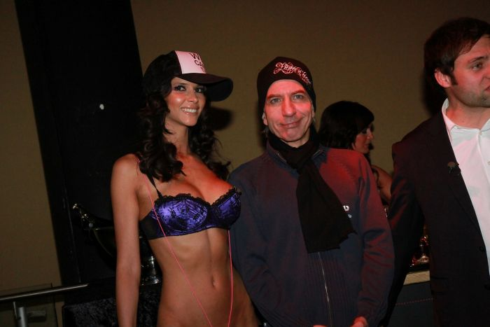 209937405179ae6d2f21c10e802d79a4 - DJ Micaela Schaefer סקסית (15 התמונות)