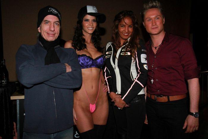 2a10239e11e43a51d3b1f831e69ef116 - DJ Micaela Schaefer סקסית (15 התמונות)