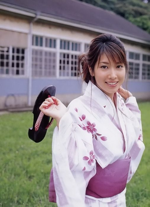 58e557e708f8bb7244d1660fd26c7c1d - יפניות סקסיות בקימונו (24 תמונות)