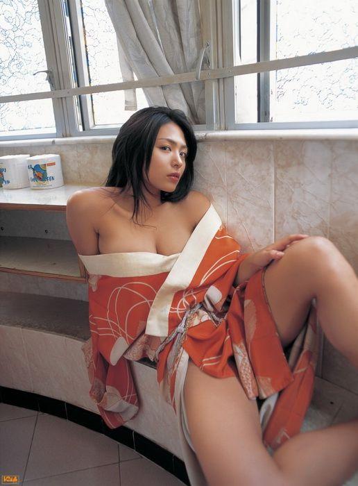 aee95a1b88952855d60c24b3467e9627 - יפניות סקסיות בקימונו (24 תמונות)