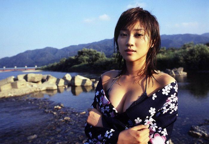 ffe6fe5f6d21543ee39e23643d780e38 - יפניות סקסיות בקימונו (24 תמונות)
