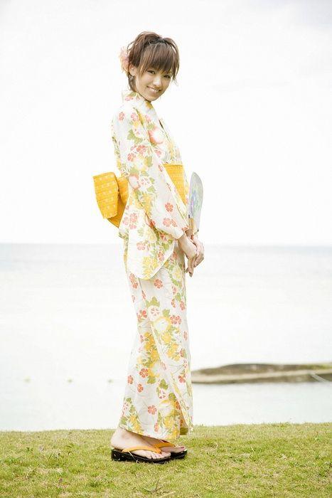 f178df7d70282a1b5e30dd3a525116bf - יפניות סקסיות בקימונו (24 תמונות)